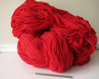 Huge amount of red wool yarn 2lbs 9oz