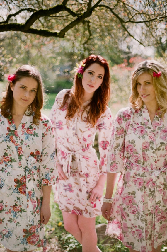 Set of 3 lined robes. Custom Bridesmaid robes and bridal robes in pastel floral prints and botanical prints. Cotton floral robe with pockets