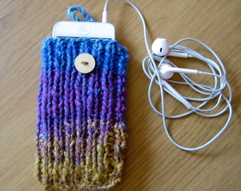 Knitted iPod cover, cozy, protect your device, including optional earphone pocket.