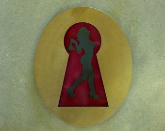 Pinup in Metal - Keyhole
