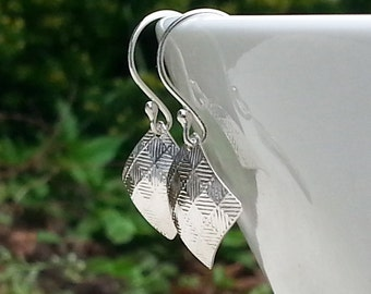Small Sterling Silver Patterned Dangle Earrings, 925 Silver Textured Earrings, Square Diamond Shaped Lightweight Drops, Checkerboard Pattern