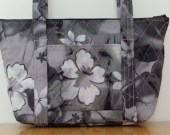 Black White Grey Flower Print Quilted Purse