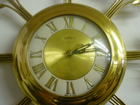 Vintage United Electric Wall Clock Ivy Leaves Brass Tone