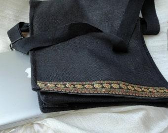 Trendy Laptop Jute shoulder bag. Ethnic laptop tote bag. Arty Urban Tote. Indian Jute MacBook bag. Natural jute zari handbag. From Artkrti.