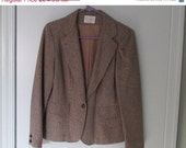 Store Closing Sale Vintage Clothing, Ladies Wool Brown Tweed Jacket, Sport Style, faux Leather Buttons, Fully Lined, Made in USA, Smoke Free