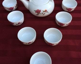 Dinky little Tea set, its cute!