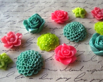 Cute Magnets, 12 pc Flower Magnets, Green, Pink, Lime Green, Housewarming Gifts, Hostess Gifts, Wedding Favors