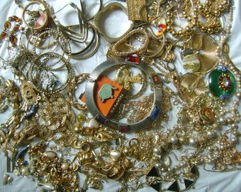 Large Mixed Assorted Destash Modern-Vintage Jewelry Lots Wearable Junk Broken Missing Stone Needs Repair  Great For Parts Crafting Repurpose