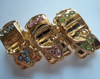 Vintage Very Cute Goldtone/Rhinestone Trio of Cars Brooch/Pin