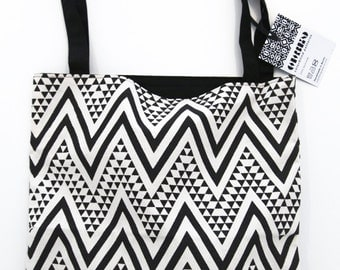 Shopping Bag with Colorblind Pattern 02