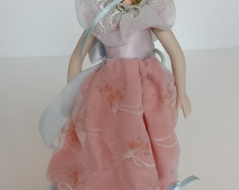 AVON Southern Belle Collector Doll - 1988