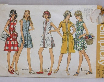 Simplicity Printed Pattern 5004 Misses Dress or Tunic and Shorts Circa 1972