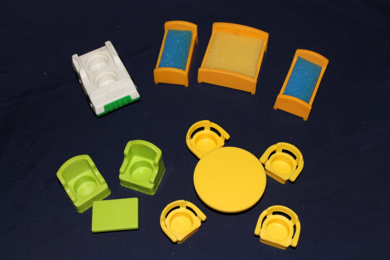 1970 S Fisher Price Little People Play Family Lot Of Replacement Furniture For Yellow Or Tudor