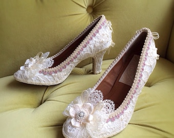Marie Antoinette Shoes Heels Rococo Baroque Costume Floral Champagne Ivory Cream Off White Antique Style Lace Appliqué Pearls CUSTOM Bridal