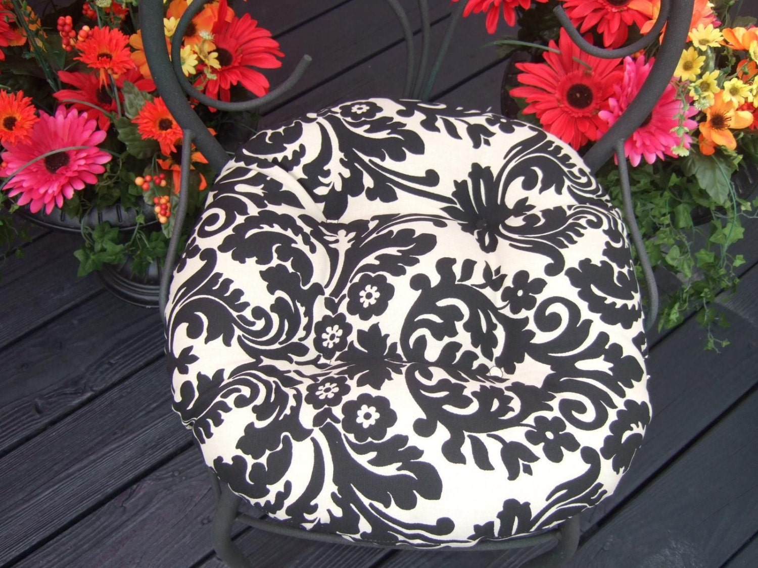 Excellent Outdoor Round Bistro Cushions Home Decor Ideas Home Remodeling Inspirations Cosmcuboardxyz