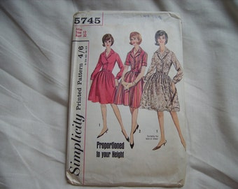 Vintage Simplicity sewing/dressmaking pattern, bust size 32 inches