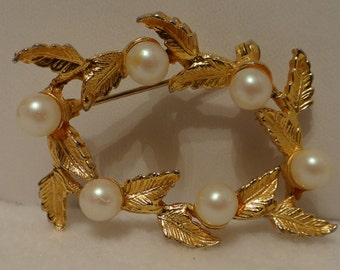 Golden Leaf and Pearl Brooch
