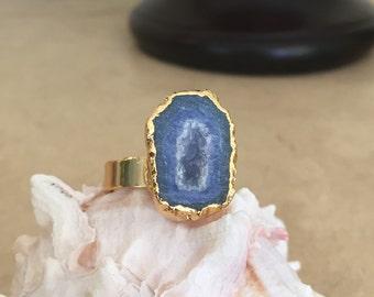 Blue Freeform Agate Ring - Sz 7.5 (+)
