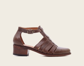 STYLE 1936 Brown Sandal
