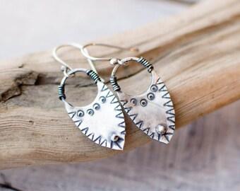 earring silver solid, CUSTOM, ethnic, tribal, minimalist, female, silver engraved