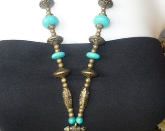 Oval Turquoise Cabocon Fligree Decorated Necklace