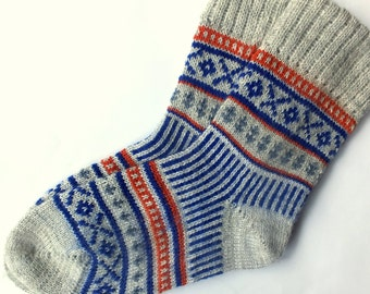 Wool Gray Socks with patterns. Organic wool socks. Warm and soft wool socks. Women and men socks.