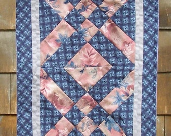 Table Runner in navy and rose