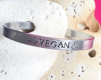 Vegan bird Mantra bracelet - adjustable - handstamped