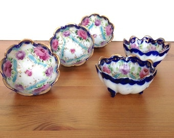 Set of 5 scalloped edge bowls hand painted asian porcelain footed dish
