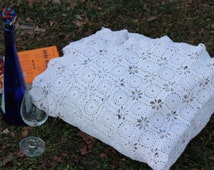 King Size 100 Cotton 1930's Crocheted Quilt Blanket Wedding Gift Cabin Decor White Wedding 110ins x 98ins Gift for Mom