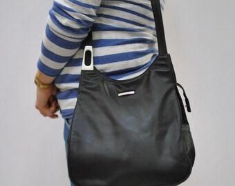 Vintage LEATHER bag ....(107)