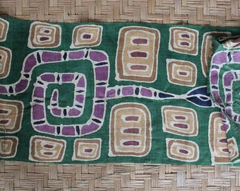 Hand woven / loomed hemp fabric with a batik design (hf4)