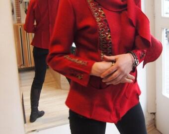 Red  Coat Red Sweatshirt / Red Blazer & Nara KP011