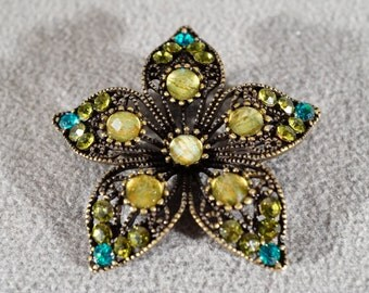 Vintage Art Deco Style Yellow Gold Tone Glass Stone Floral Design Pin Brooch Jewelry            K
