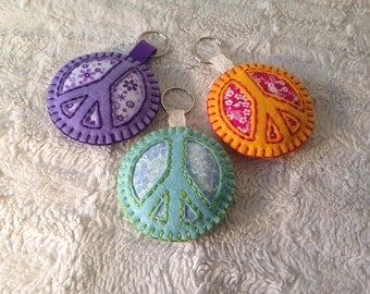 Peace charms/keyring (one only)