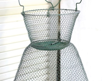 Vintage fishing net etsy for Fish wire basket