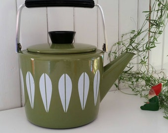 Vintage Cathrineholm avocado green Lotus Enamel Kettle Teapot  60s
