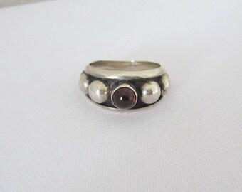 Vintage Sterling Silver Garnet Cabochon Dots Band Ring Size 8.25