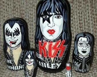 Kiss on Five Russian Nesting Dolls. Rock.
