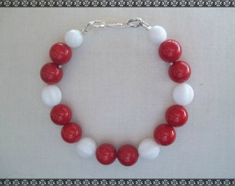 red bracelet, red and white bracelet, white and red bracelet, white bracelet