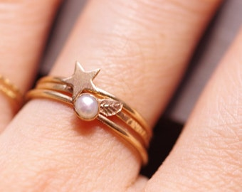 Handmade 14k Gold Filled tiny leaf ring- Gold leaf Ring, Stacking Ring, --ONE RING