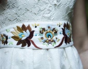 Ivory embroidered belt