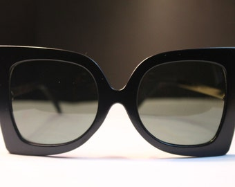 Oversized Matte Black Cat Eye Sunglasses