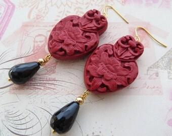 Red cinnabar earrings, black agate earrings, black red earrings, gemstone jewellery, oriental style jewelry, uk dangle earrings, gioielli