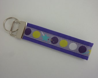 "Key fob ""Dots"" in purple/lilac/white/neon green/turquoise"