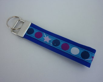 """Key fob """"Dots"""" in blue with white zyklam pink dark blue"""