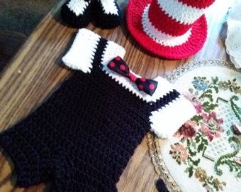 Crochet cat in the hat set.
