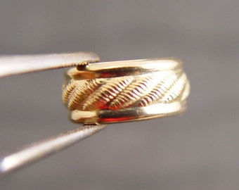 BEAUTIFUL EAR CUFF 14k Gold Filled