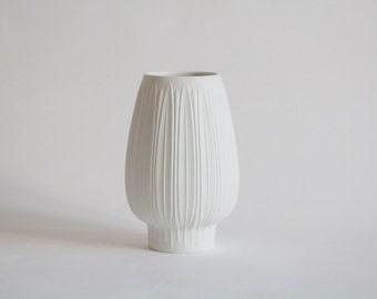 Vase by Heinrich, Germany, biskuit china porcellain vintage