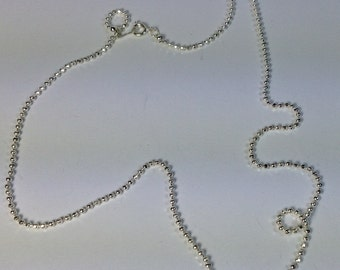 5 chains in silver-plated hypoallergenic metal. 60 cm.